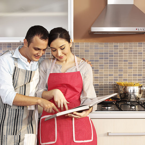 couple_cooking_square Home